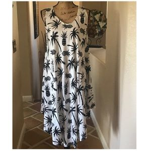 Dresses & Skirts - Black & White Pineapple Dress One Size Fits Most♥️